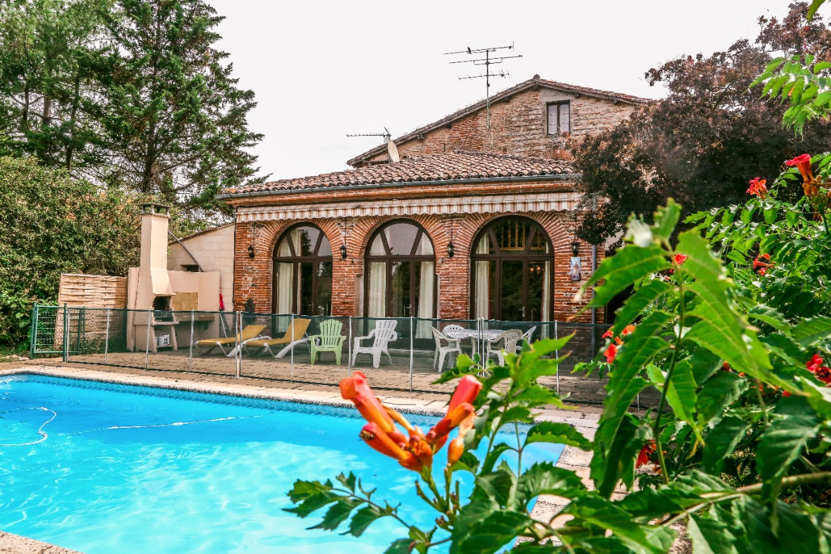 Albi : gîte avec piscine sur terrain clos au coeur du centre historique