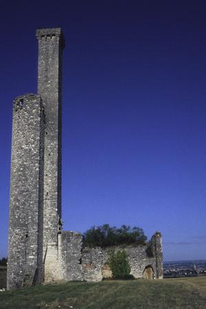 Tour du château de Castelnau de Lévis
