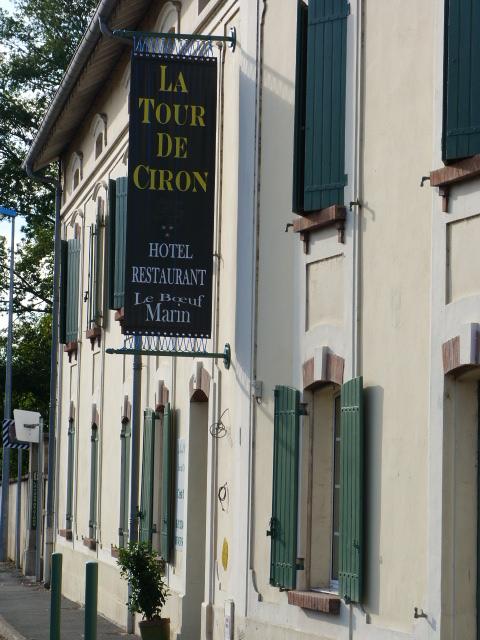 Restaurant La Tour Ciron – Au Bœuf Marin