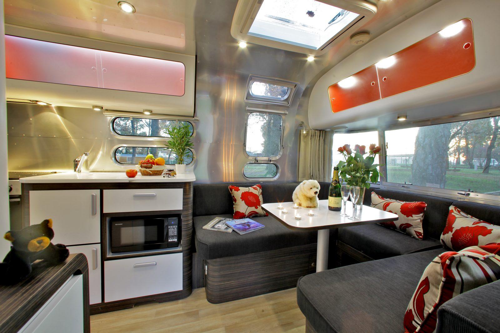 Albirondack Camping Tarn Airstream intérieur