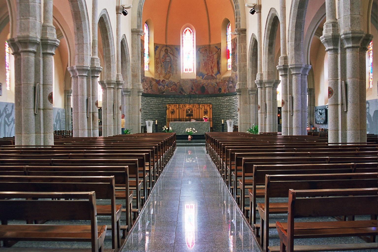 Eglise de Lacrouzette