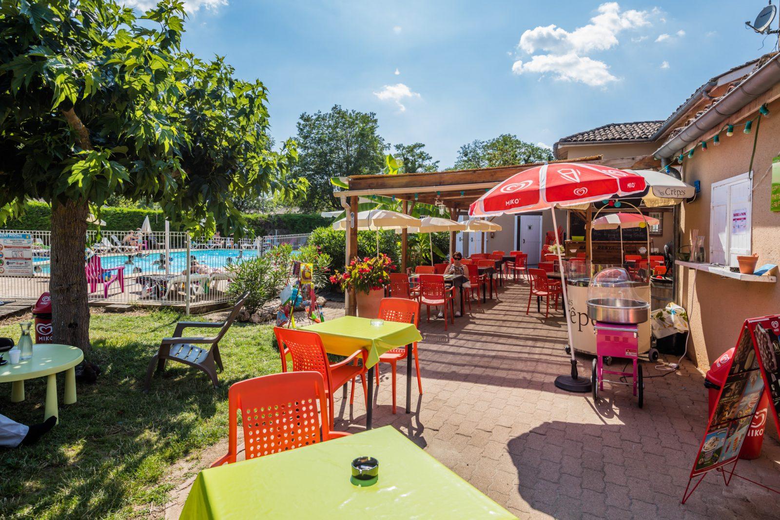 Domaine du Cèdre terrasse restaurant