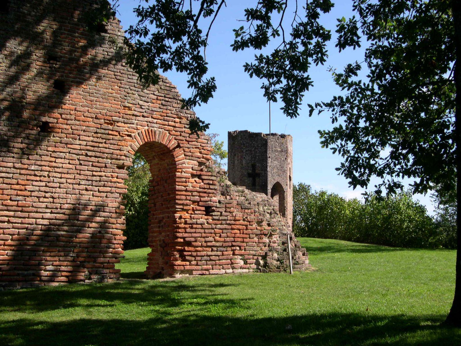 Aire de pique-nique – site médiéval du Castela – saint-Sulpice – Tarn