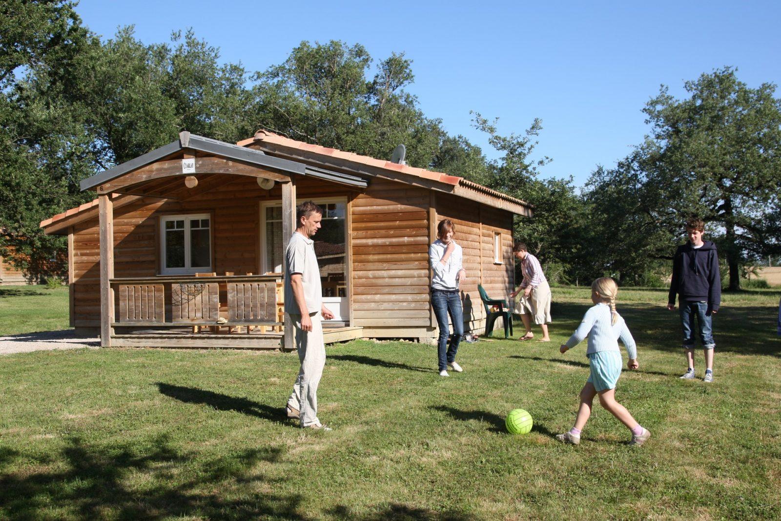 Domaine de Miraval chalet famille foot