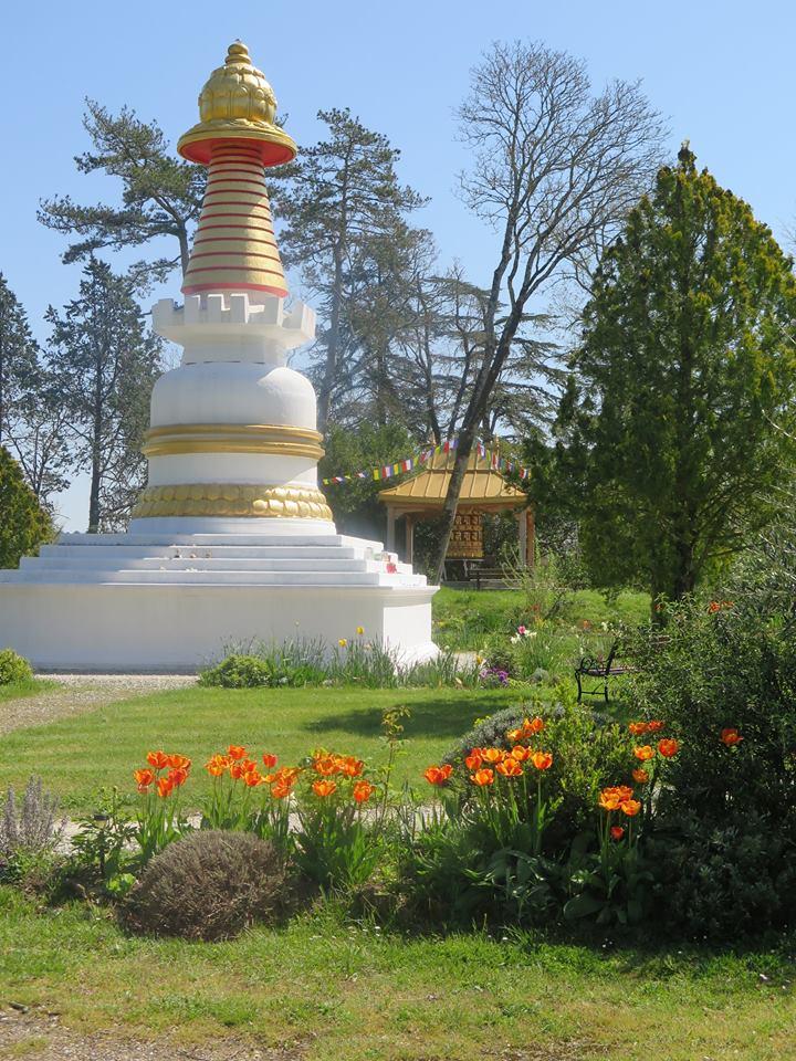 Château d'en Clauzades – Institut bouddhiste Vajra Yogini – Marzens – Lavaur – Tarn