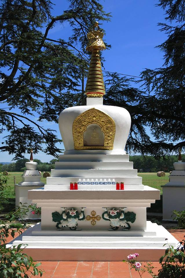Monatère bouddhiste Nalanda – Labastide Saint-Georges – Lavaur – Tarn