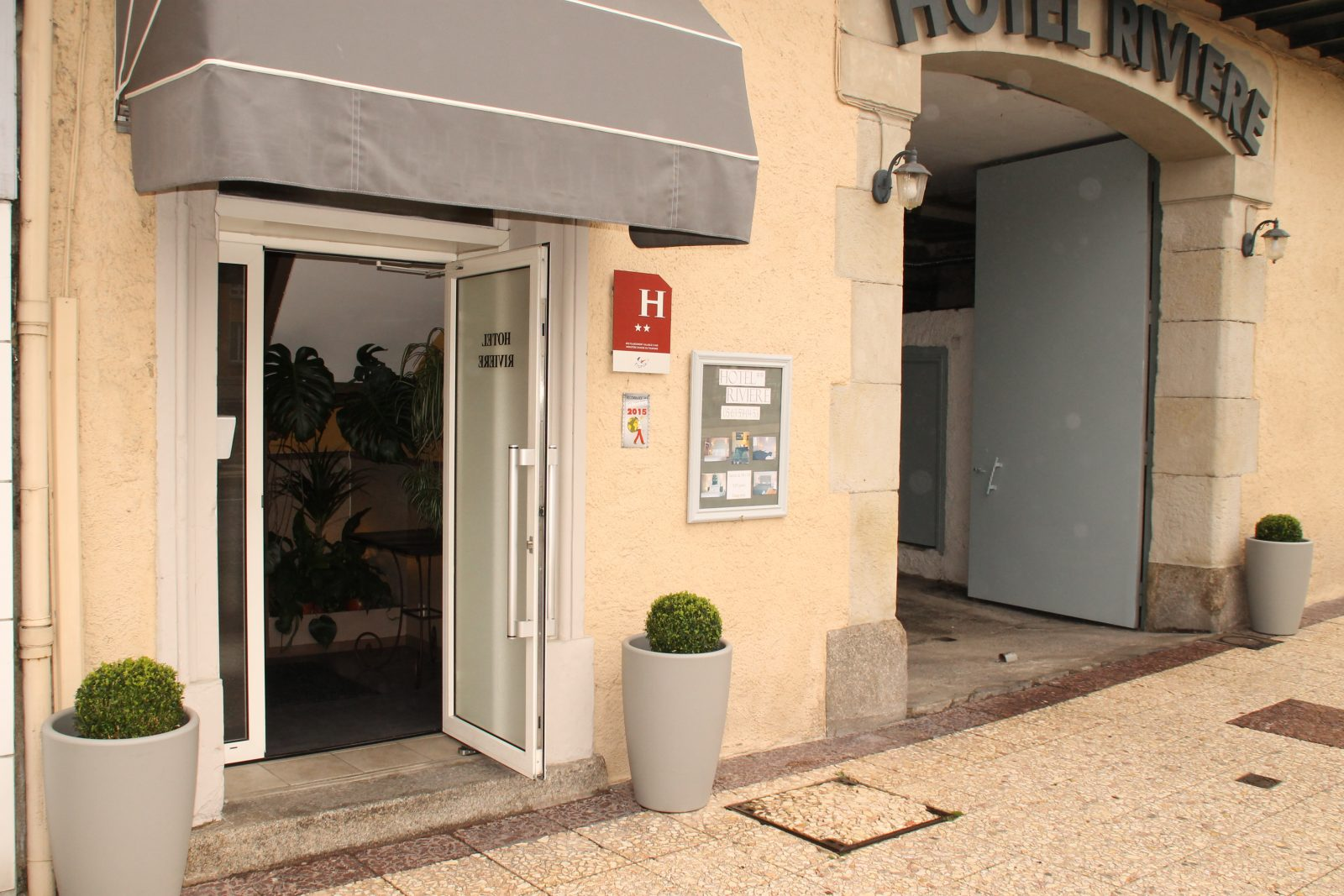 Hôtel Rivière 1