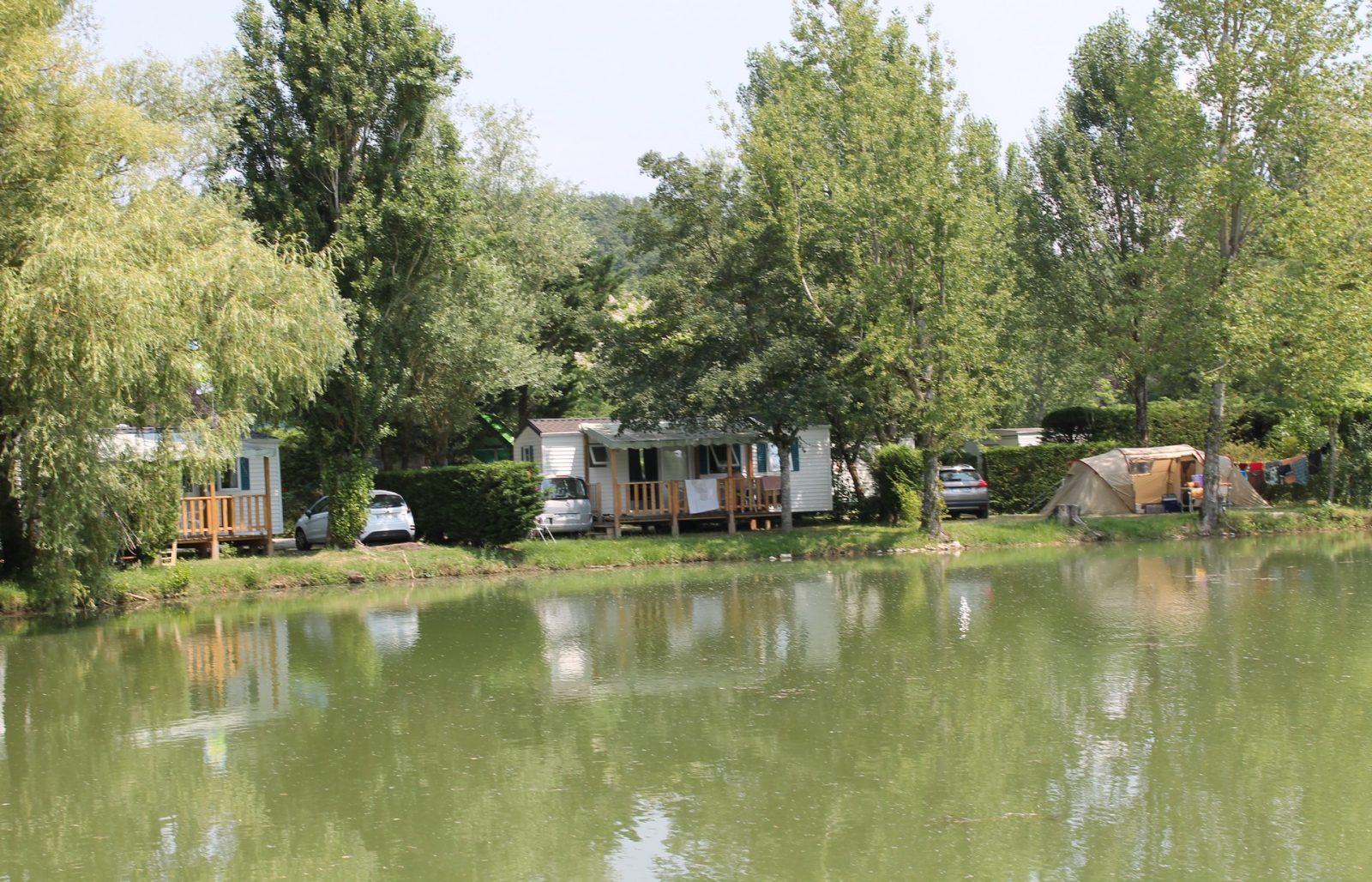 Camping Plan d'Eau St Charles