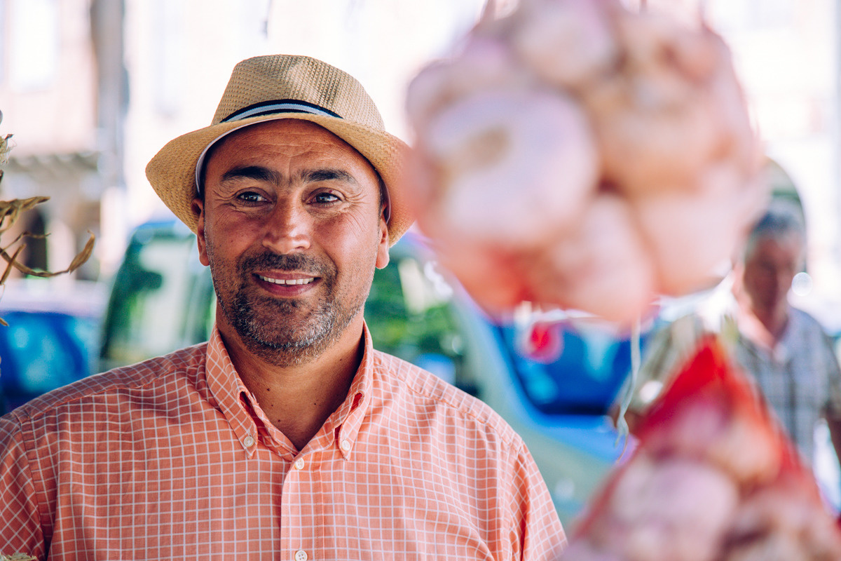 producteur d'ail au marché de Graulhet