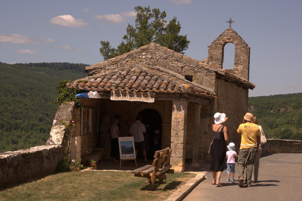 chapelle de puycelsi dans le tarn