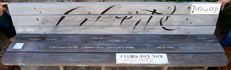 Banc calligraphié
