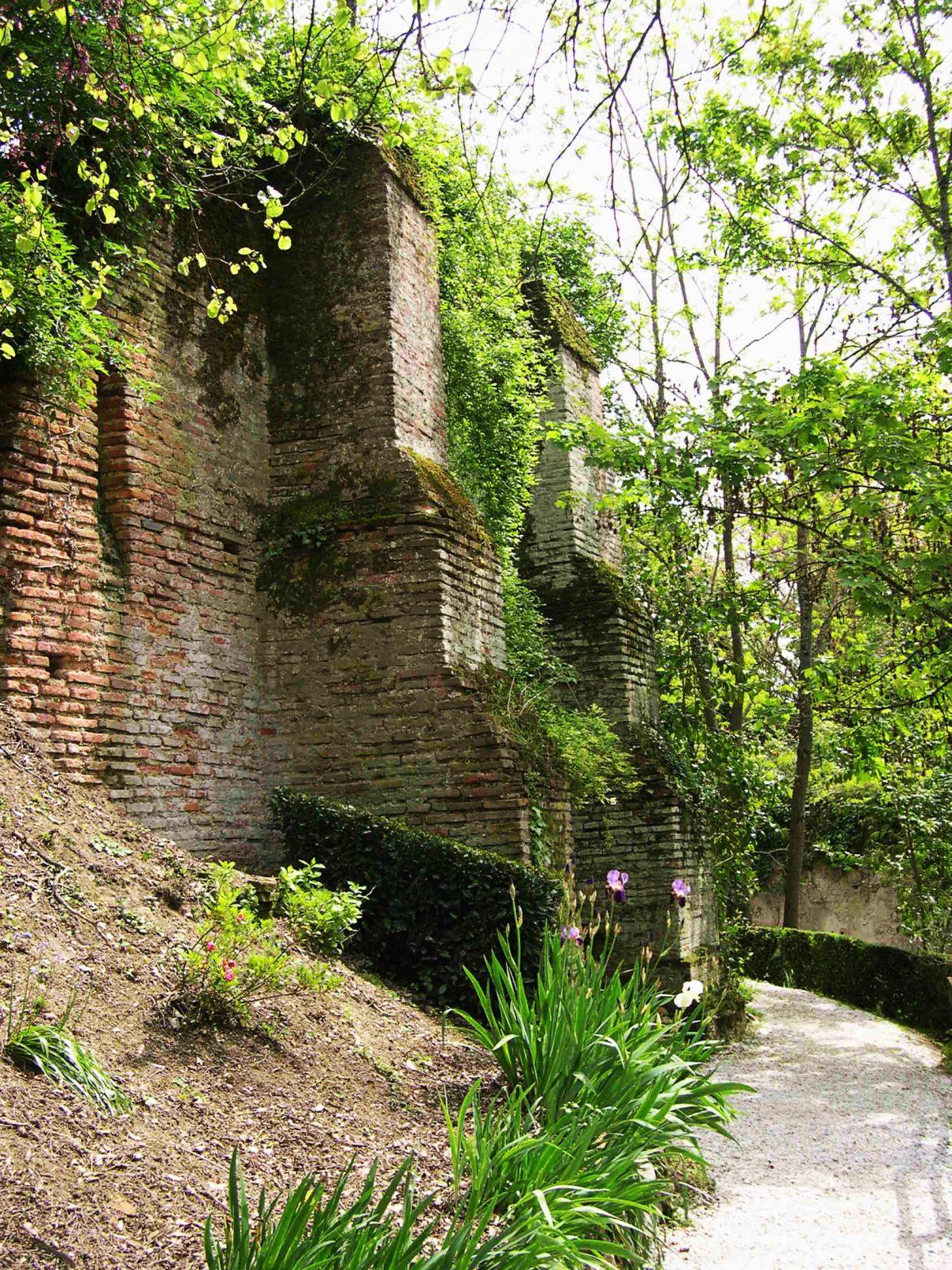 Chemin du château du Castela – aire de pique-nique – Saint-Sulpice – Tarn – 81
