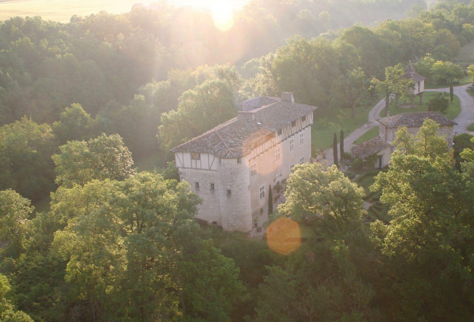 Château de Mayragues vue du ciel – © D. Geddes