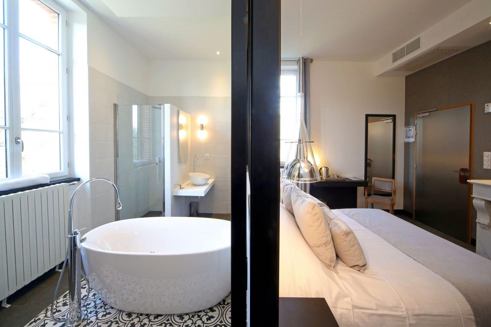 Hôtel d'En Fargou- Hôtel 4* – Salle de bain chambre verrière- Saint-Sulpice Tarn