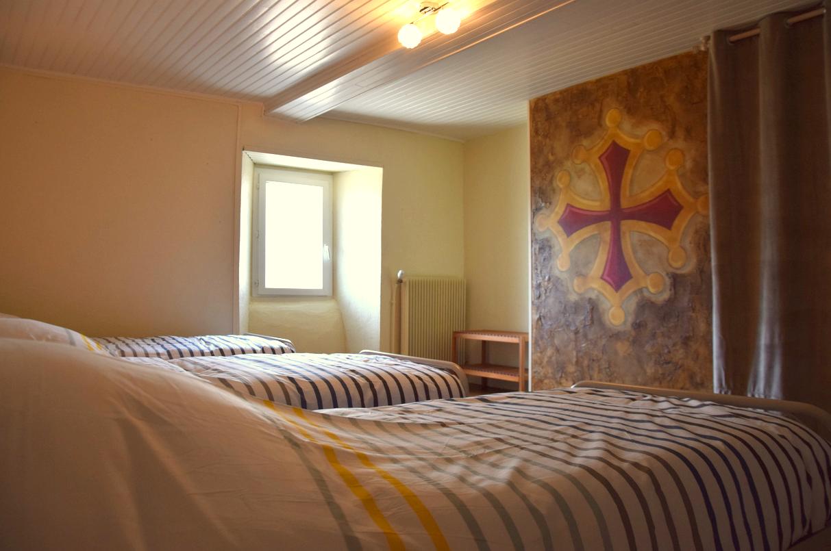 chambre 1 Gite Bouisset Lasfaillades St Jacques