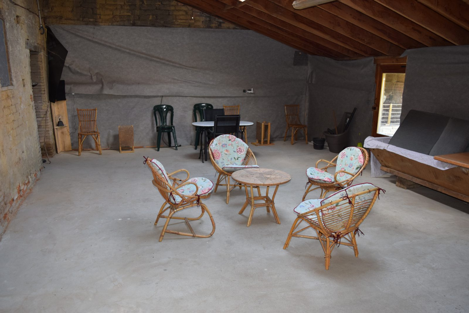 salon semi ouvert