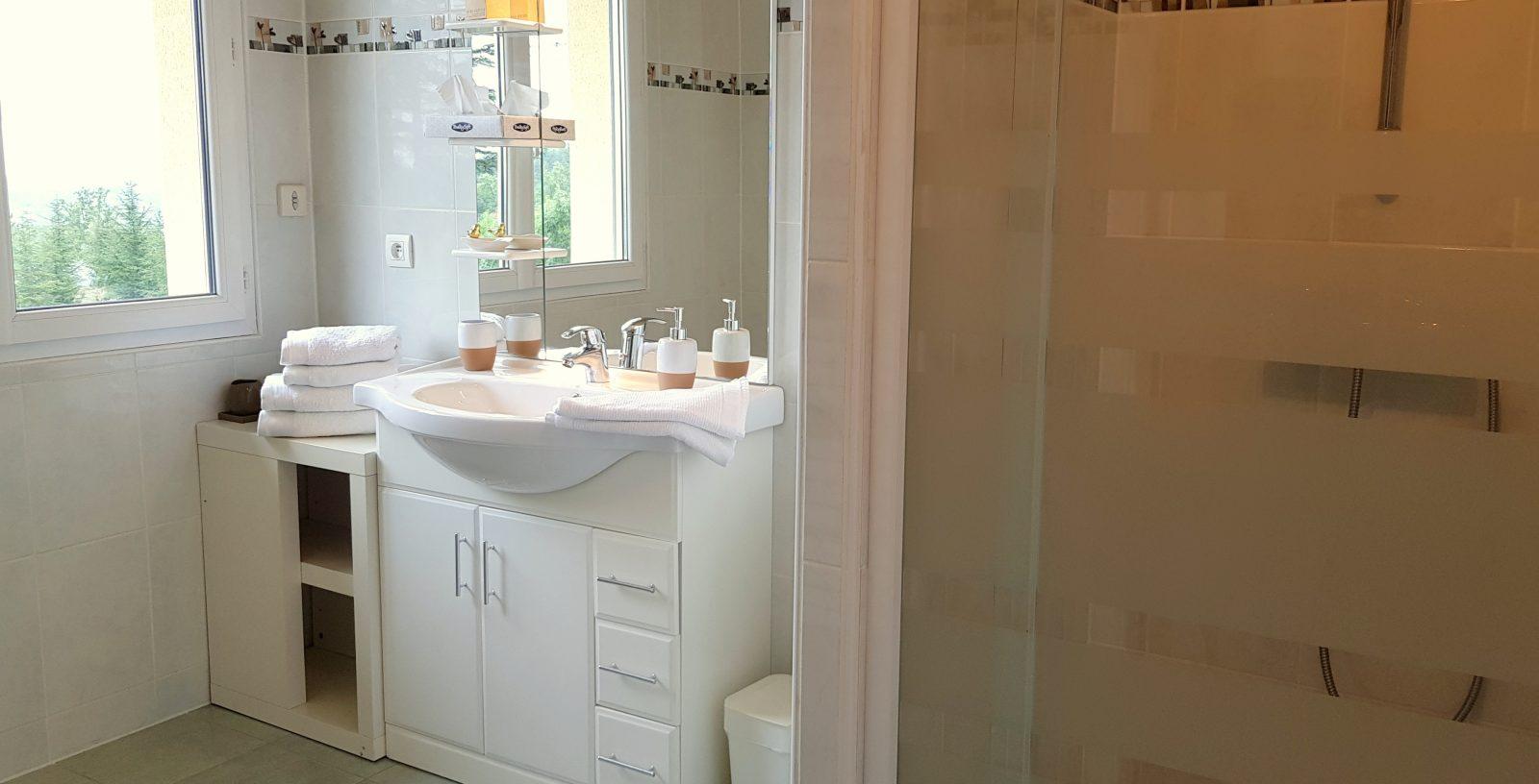 Salle de bain 1 domaine de Bancals