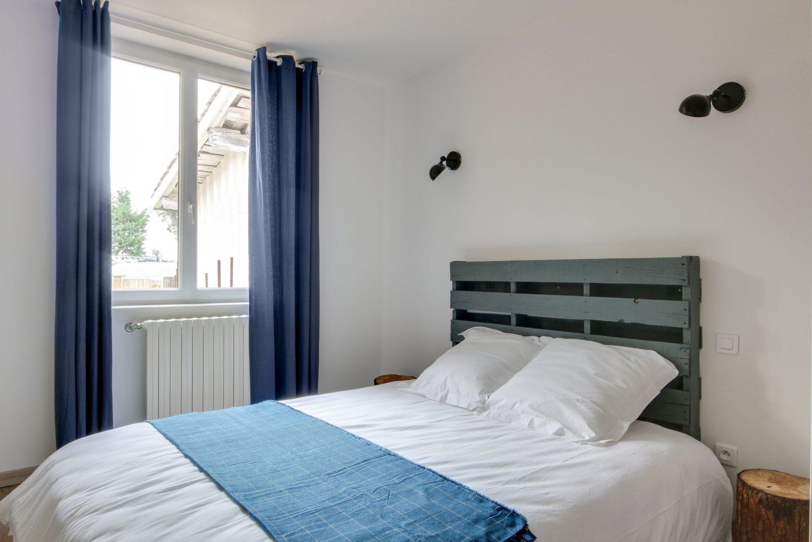 Chambre 3 avec lit en 160 de qualité