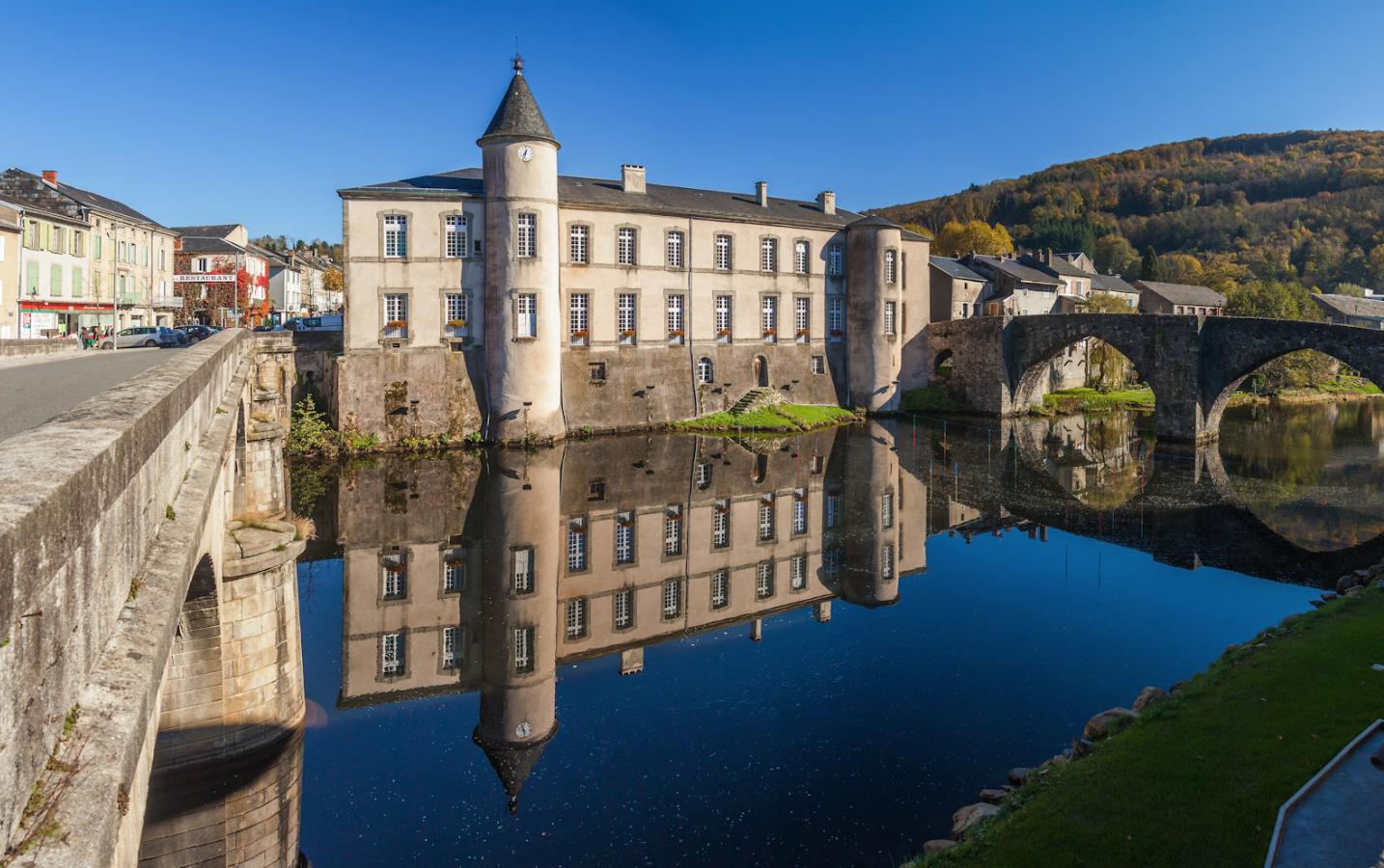 Château et Mairie de Brassac