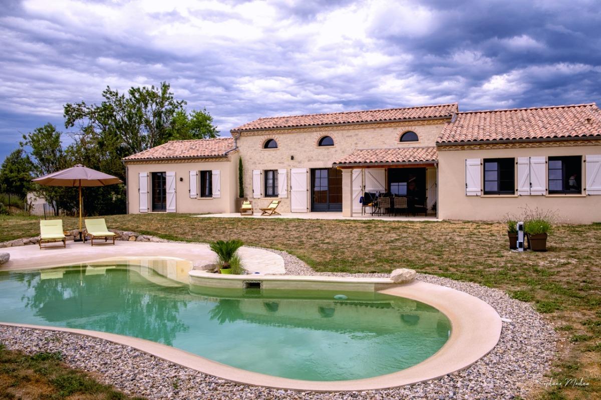 Belle maison de ville avec piscine sur terrain clos entre Albi et Toulouse