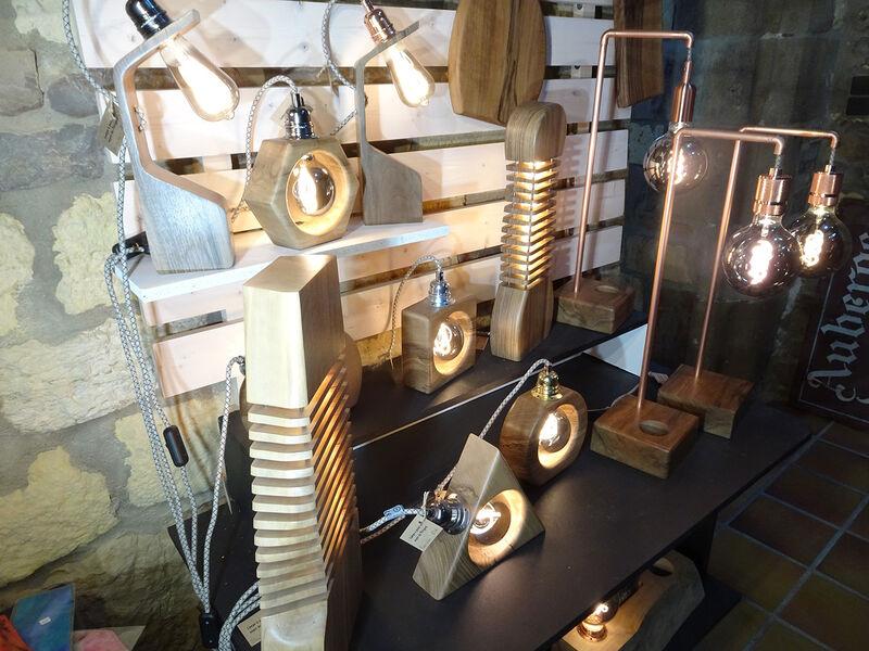 6 Atelier Galerie de la Halle-Paul Riaucoux – Lampes en bois