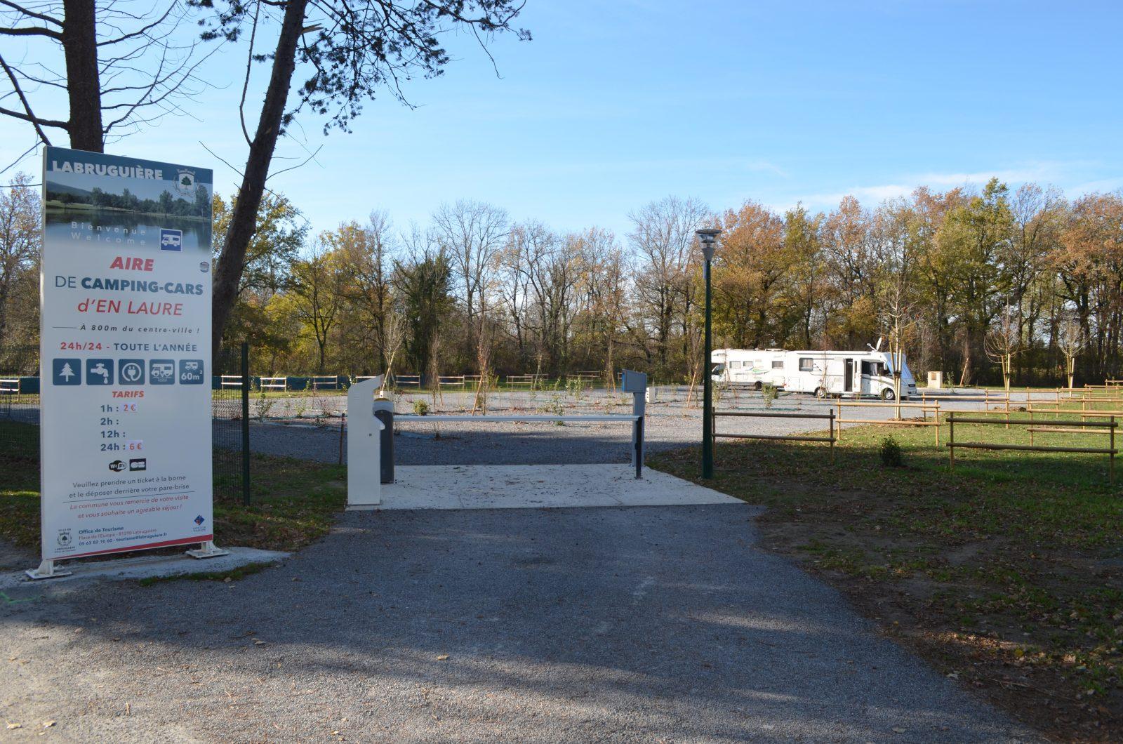 Borne de Services et Aire de Stationnement Camping-Car de Labruguière