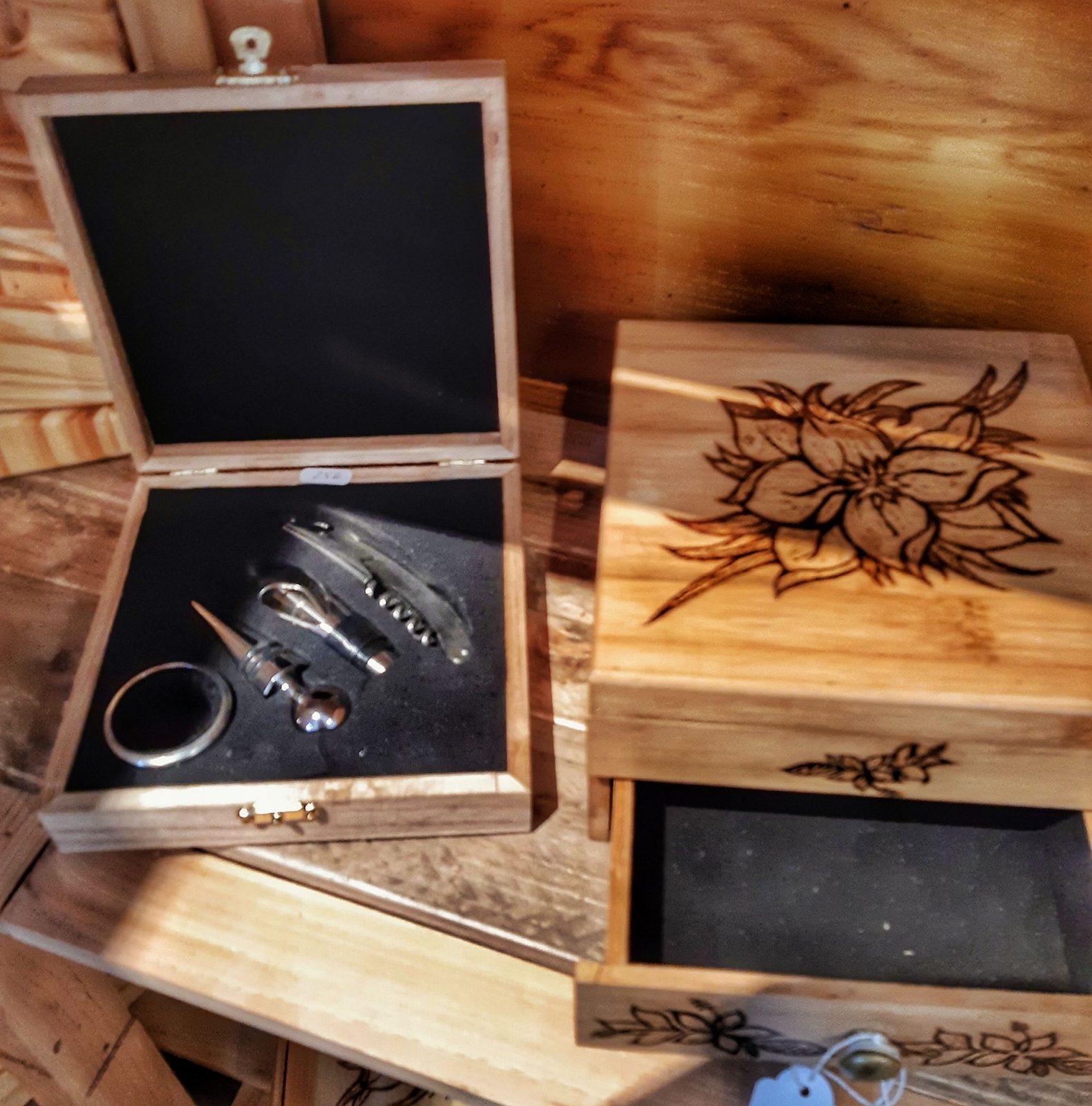 Coffret du sommelier, boite à bijoux pyrogravée